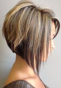 ebb17dea34efcefad20b26406c9eac8e--inverted-bob-with-highlights-angled-bob-with-layers.jpg